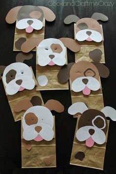 When it comes to party planning, you can't forget about the goody bags! This adorable design for Puppy Dog Party Bags is one that you'll definitely want to create. The quick and easy paper craft… Puppy Birthday Parties, Puppy Party, Dog Birthday, Diy Party Bags, Craft Party, Ideas Party, Party Favors, Puppy Crafts, Paper Party Decorations