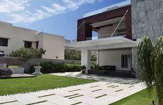 La pared de la casa por los arquitectos Skywardinc (2)