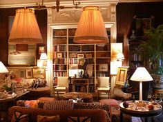 New York icon jeweller Kenneth Jay Lane's apartment - The Drawing room / Library Flats In New York, Beautiful Interiors, Beautiful Homes, English Country Decor, Wood Staircase, New York Homes, Brown Walls, Drawing Room, Decoration