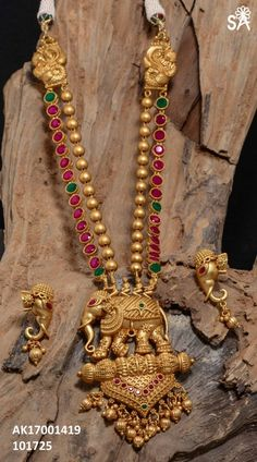 New Jewerly Gold Indian Earrings Jewellery Designs Ideas 1 Gram Gold Jewellery, Gold Jewellery Design, Temple Jewellery, Gold Jewelry, Gold Bangles, Jewellery Shops, Handmade Jewellery, Jewellery Box, Jewelry Stores