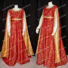 Terre di grazia Renaissance Fair Costume, Medieval Costume, Renaissance Fashion, Renaissance Clothing, Medieval Dress, Historical Clothing, Italian Renaissance, Cute Dresses, Vintage Dresses