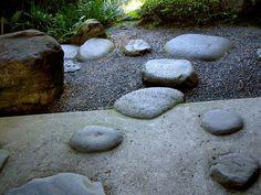 Taizo-in path