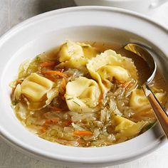 Russian Tortellini Soup - use vegan tortellini (like butternut squash filled) and replace chicken broth with veggie broth. Fall Soup Recipes, Vegetable Soup Recipes, Healthy Soup Recipes, Cooking Recipes, Slow Cooking, Ww Recipes, Clean Eating Snacks, Healthy Eating, Kitchens