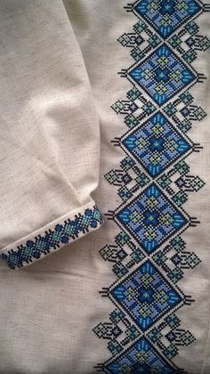 Тетяна Кругляк Folk Embroidery, Hand Embroidery Stitches, Cross Stitch Embroidery, Machine Embroidery Designs, Embroidery Patterns, Cross Stitch Art, Cross Stitch Borders, Cross Stitch Flowers, Cross Stitch Patterns