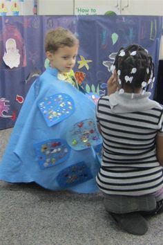 Rainbow fish cape inspiration to act out story of Rainbow Fish. Store in rainbow fish bag. Rainbow Fish Eyfs, Rainbow Fish Story, Rainbow Fish Activities, Sea Activities, Toddler Activities, Preschool Literacy, Kindergarten, Summer Camp Themes, Ocean Projects