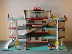 French service station by Depreux Toy Garage, Garage Plans, Garages, Antique Toys, Vintage Toys, Garage Trellis, Shingle Style Homes, Archi Design, Matchbox Cars
