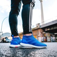The new Adidas Ace 16+ PureControl Ultra Boost introduces a bold look in blue and pink, part of the Blue Blast collection. Sneakers Fashion, Sneakers Shoes, Kicks Shoes, New Shoes, Fashion Shoes, Adidas Shoes, Adidas Outfit, Adidas Ultra Boost Men, Adidas Boost