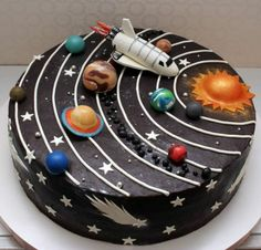 Süße Kindergeburtstagstorten Petits Anges - Make-up - Sweet Petits Anges Kindergeburtstagskuchen - Fancy Cakes, Cute Cakes, Crazy Cakes, Bolo Do Sistema Solar, Beautiful Cakes, Amazing Cakes, Solar System Cake, Galaxy Solar System, Space Solar System