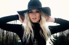 natalie bergman from Wild Belle. Love her style and hat and her voice