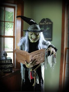 Hagatha the spell casting witch used for the Inn cook, by Halloween Forum member Hilda. Creepy Halloween Props, Halloween Forum, Spooky Scary, Halloween Pictures, Halloween Horror, Halloween Town, Vintage Halloween, Halloween Decorations, Halloween Witches
