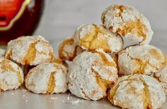 Italian Cookie Recipes 40474 Delicious and easy Amaretti Cookie recipe using Amaretto Liqueur and almond flour. This traditional Italian cookie is so tasty and easy to make! Italian Cookie Recipes, Italian Cookies, Italian Desserts, Amaretti Cookie Recipe, Amaretti Cookies, Fig Cookies, Almond Cookies, Chocolate Cookies, Perfect Cookie