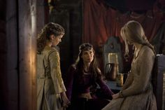 Queen Mother Gloriana, Lady-in-Waiting Isabeau, and Princess Esabel