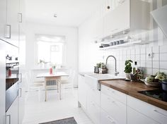 light and white Scandinavian kitchen