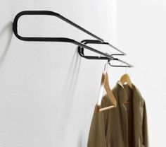 Handtuchhalter / 2 Stangen / Wandmontage / aus Messing - TAKE OFF YOUR SHOES AND JACKETS by Ariane März - ex.t
