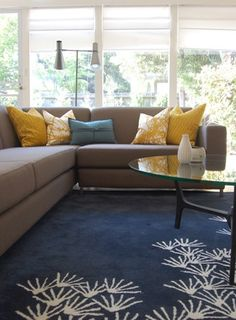 Like the colors - Eclectic living room (color scheme) Mustard Living Rooms, Grey And Yellow Living Room, Living Room Turquoise, Blue Carpet Bedroom, Living Room Carpet, New Living Room, Living Room Decor, Living Room Color Schemes, Living Room Designs