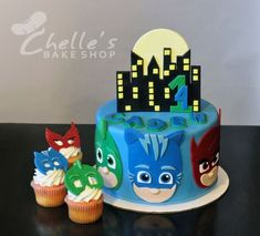 Superheros Gekko, Catboy & Owelette caKe and cupcakes Pjmask Party, Party Cakes, Party Ideas, Torta Pj Mask, Pj Masks Birthday Cake, Festa Pj Masks, 4th Birthday Parties, 3rd Birthday, Birthday Ideas