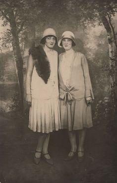 1920s                                                                                                                                                                                 Mehr