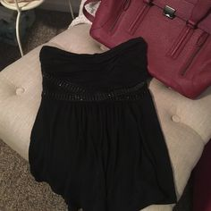 Express black top This top is in perfect condition. Worn maybe once. So cute and comfortable. Would love to bundle. Express Tops