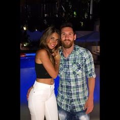 Lionel Messi poses for a photo with his wife-to-be Antonella Roccuzzo in Spain this week Leonel Messi, Messi And His Wife, Lionel Messi Wife, Antonella Roccuzzo, Messi 10, Messi Life, Messi Y Antonella, Messi Style, Soccer