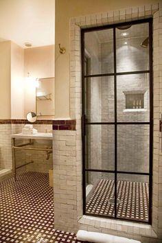 http://www.skonahem.com/inredning/badrum/Vackra-glasdorrar-i-badrummet--12-exempel-pa-stark-trend
