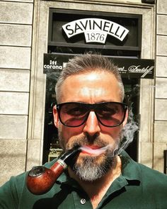 Beards and pipes are a fantastic combination, especially if you've got a high-quality pipe like a Savinelli. Man Smoking, Cigar Smoking, Hairy Men, Bearded Men, Tobacco Pipe Smoking, Smoking Pipes, Cool Pipes, Peace Pipe, Grey Beards