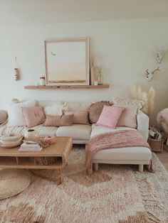 Home Decoration Ideas Mirror Living room decor.Home Decoration Ideas Mirror Living room decor Boho Living Room, Living Room Grey, Pink Living Rooms, Living Room Themes, Living Room Photos, Living Room Color Schemes, Decoration Bedroom, Home Decor Bedroom, Bedroom With Couch