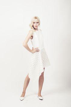NIKAY-Kleid-LASERCUT #creme #jersey #asymmetrisch #lasercut #kleid #schrift #love #grafik #design #art