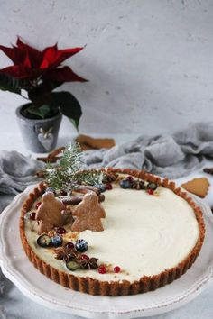 Fantastic Christmas desserts detail are available on our internet site. Check it out and you wont be sorry you did. Xmas Food, Christmas Sweets, Christmas Baking, Dessert Recipes, Delicious Desserts, Festa Party, Holiday Cakes, Cookies Et Biscuits, Cake Decorating