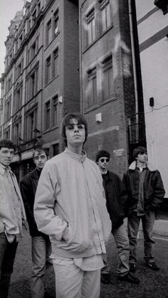 Noel Gallagher Young, Lennon Gallagher, Liam Gallagher Oasis, Gene Gallagher, Oasis Music, Oasis Band, Liam And Noel, Pop Art Illustration, Britpop