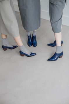 """5yMedio have completely changed the way we wear high heels. Their shoes are so comfortable with a maximum heel height of 2 inches and an """"anti-fatigue"""" insole that will literally keep your feet happy for hours. We are obsessed with their collection of blue heels. They look amazing with basically every outfit."""