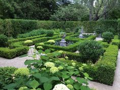 elizabeth everdell formal garden boxwoods – The Most Exquisite Gardens and Land… Boxwood Landscaping, Backyard Landscaping, Landscaping Edging, Landscaping Software, Landscaping Ideas, Backyard Ideas, Formal Gardens, Outdoor Gardens, Formal Garden Design