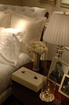 Beautiful box to hold small necessities. Dream Bedroom, Home Bedroom, Bedroom Decor, Bedrooms, Home Interior Design, Interior And Exterior, New Room, Interiores Design, Room Inspiration