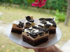 Prajitura Raffaello | Retete culinare cu Laura Sava - Cele mai bune retete pentru intreaga familie Briam, Mousse, No Cook Desserts, Irish Cream, Sweet Cakes, Cheddar, Oreo, Cake Recipes, Cheesecake