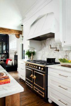 La Cornue stove in Atlanta kitchen - Hooked on Houses