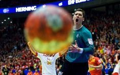 35 Perfectly Timed Sports Moments (35 photos)