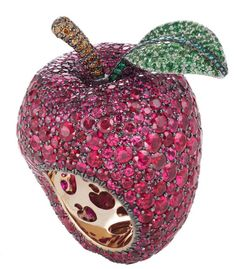 Poison apple ring inspired by Snow White, by Disney and Chopard.