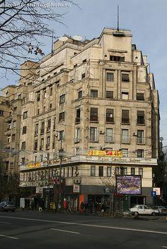 arhitectură interbelică » Bucharest Daily Photo (in Romanian) Bucharest, Daily Photo, Romania, Multi Story Building, Street View, Modernism, Modern Architecture