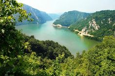 Danube valley Veliki Kazan on the Serbian-Romanian border Dubrovnik, Open Air, Danube River, Serbian, Countries Of The World, Croatia, Most Beautiful, Vacation, Country