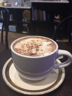 A food Tour of Chinatown and a Hot Chocolate at Tache, New York, USA Dim Sum, Food Cravings, Herbal Medicine, Chocolates, Hot Chocolate, Coffee Shop, A Food, Herbalism, Nutrition