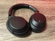 Sony finally surpasses Bose as best noise-canceling headphone - CNET Best Headphones With Mic, Best Workout Headphones, Wireless Headphones Review, Headphone Reviews, Top Headphones, Beats Earbuds, Best Noise Cancelling Earbuds, Sony, Medical Technology