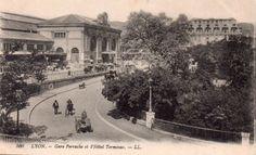 #CartePostalesAnciennes sur #Geneanet bit.ly/1pcWHkq  #Lyon - Gare de Perrache et l'Hôtel Terminus vers 1910