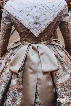 Victorian Gown, Edwardian Era, Period Costumes, Historical Costume, Steampunk Fashion, Traditional Dresses, Fashion Boutique, Fashion Show, Gowns