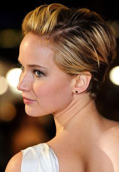 Jennifer Lawrence in her new pixie #haircut