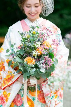 Kimono, Bouquet, Table Decorations, Bouquet Of Flowers, Bouquets, Kimonos, Floral Arrangements, Dinner Table Decorations