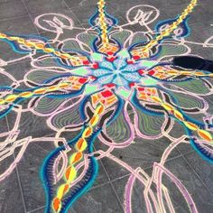 Still kickin    Follow me on Facebook http://www.facebook.com/joe.mangrum.art When sharing please include my links Ⓒ 1994-2014 Joe Mangrum http://www.joemangrum.com #sandart #sandpainting #NYC @Joe Mangrum #colorful #art #streetart #art #streetlife