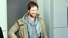 SCOTTISH heart-throb Gerard Butler jetted into Sydney yesterday morning ahead of his role on Hollywood blockbuster - Gods of Egypt.      Butler looked relaxed in cargo pants and a khaki green jacket as he made his way through Sydney airport with a cheeky grin on his famous face. THIS is how I love to see Gerry - with full on scruff  and obviously happy as a clam in sand. LOL