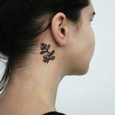 Ягоды. Женская татуировка. Berries. Woman tattoo.