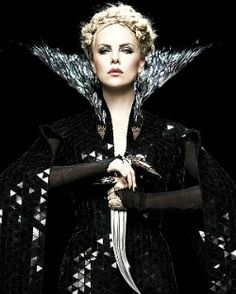Queenly in Snow white and the Huntsman