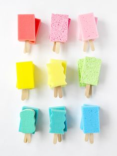 DIY Easy Kids Craft : Dish Sponge Popsicles Turn colorful dish sponges into these playful popsicle decorations for your next summer party! Diy Crafts For Kids Easy, Summer Crafts For Kids, Diy Craft Projects, Kids Crafts, Christmas Crafts For Toddlers, Party Crafts, Summer Diy, Holiday Crafts, Ice Cream Theme