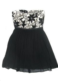 Kup mój przedmiot na #vintedpl http://www.vinted.pl/damska-odziez/sukienki-wieczorowe/16582157-rozkloszowana-sukienka-asos-czarna-studniowkowa-s